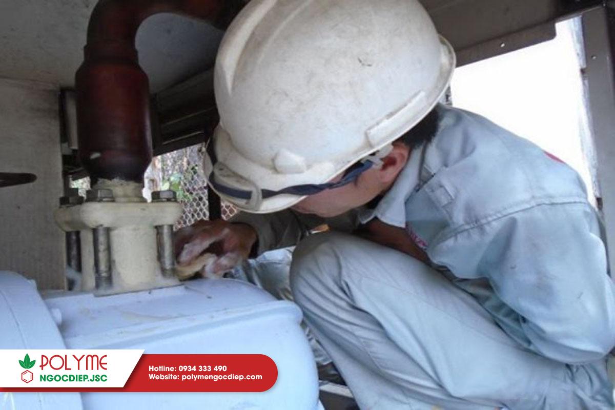 Dịch vụ thi công foam pu bảo ôn/ cách nhiệt ống chiller/boiler